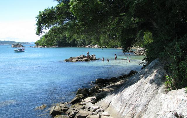 image2 As melhores praias para mergulho em Bombinhas