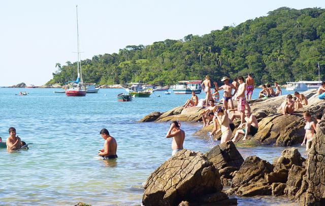 image5 Roteiro turístico pelas praias de Bombinhas: bairro do Centro