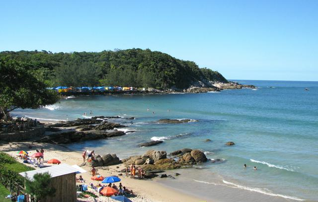 image8 Roteiro turístico pelas praias de Bombinhas: bairro do Centro