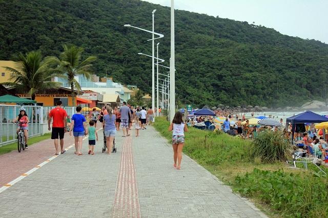 image3-3 Os atrativos do calçadão da Praia de Bombas em Bombinhas