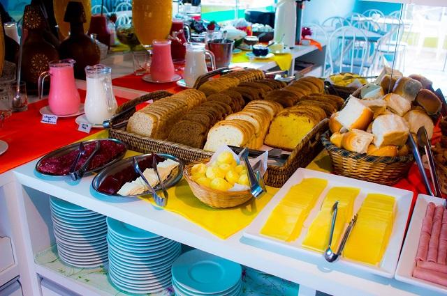 image2-3 Pousada com café da manhã em Bombinhas – Pousada Brisa do Mar