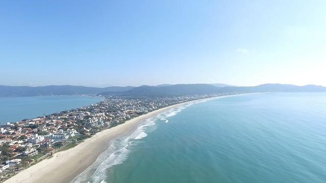 image2 Qual a maior praia de Bombinhas?