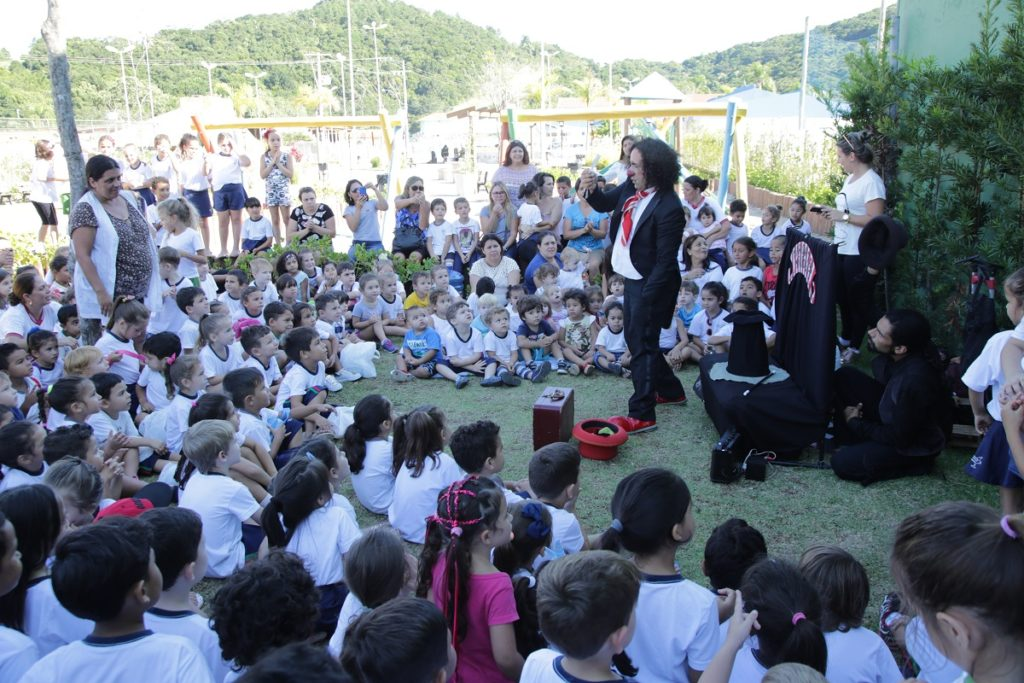 image2-1024x683 Festirua: o Festival Internacional de Teatro e Títeres de Rua de Bombinhas