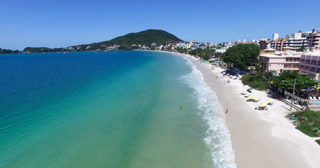image4-1-1024x539 Quais as melhores praias para mergulho em Bombinhas?