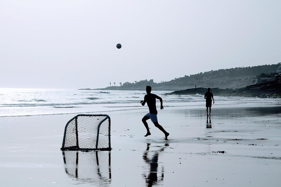 esportes-praticar-na-praia Esportes para praticar no inverno em Bombinhas